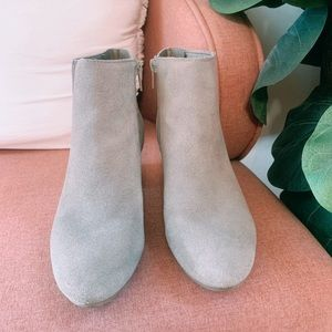 Taupe boots!
